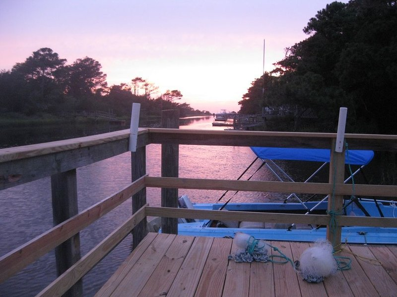 Bring Your Boat to the Beach!  Dog Friendly., location de vacances à Oak Island