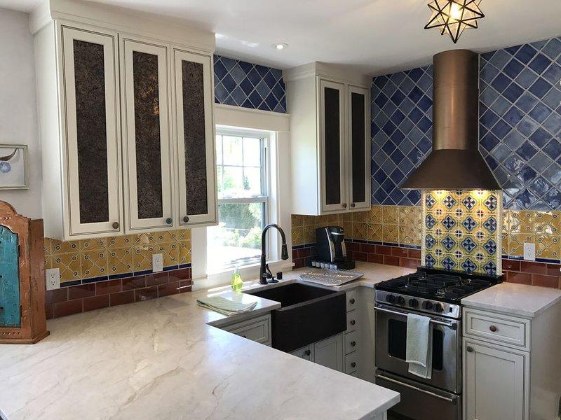 Luxurious Home 2 blocks to Historic Santa Fe Plaza. Read the reviews!, alquiler de vacaciones en Sierra County