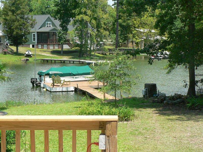 Lake Murray Getaway with Private Dock and Boat Ramp, alquiler de vacaciones en Irmo