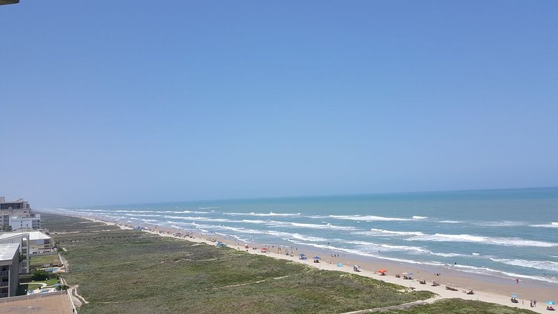KILLER VIEW, KILLER CONDO In The Heart of South Padre Island Aquarius, 9th flr, vacation rental in Port Isabel