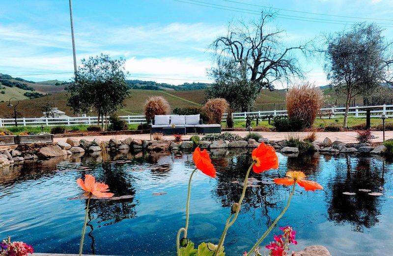 L'étang de notre restaurant Salt & Stone, situé à seulement 17 minutes de Kenwood