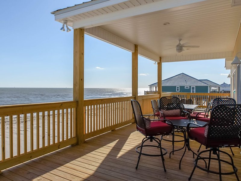New gulf-front, dog-friendly home, beach for your back yard  w/ amazing views, holiday rental in Coden