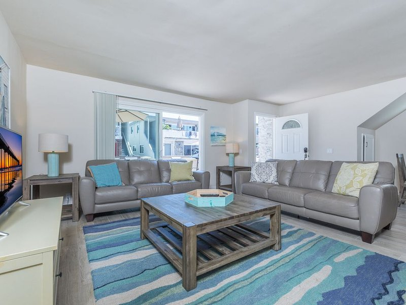 Beach Close Family Vacation Beach Home (lower unit), vacation rental in Newport Beach