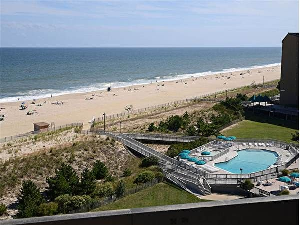 D908: 1BR+loft Sea Colony Oceanfront Penthouse! Private beach, pools, tennis ..., holiday rental in Bethany Beach