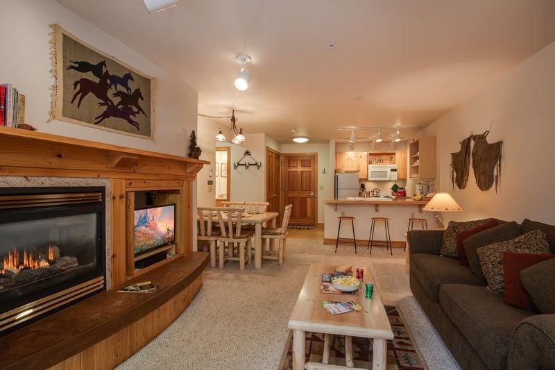 KABINO: Near Driggs! Hot Tub - Close to Grand Targhee Ski Resort!, alquiler vacacional en Alta
