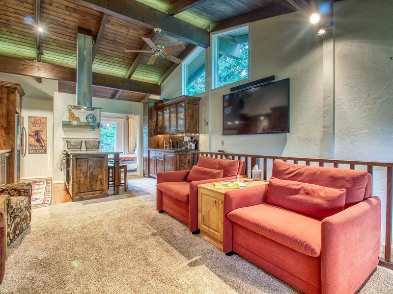 New listing! Charming home walking distance to Ketchum & minutes to skiing!, vacation rental in Sun Valley-Ketchum