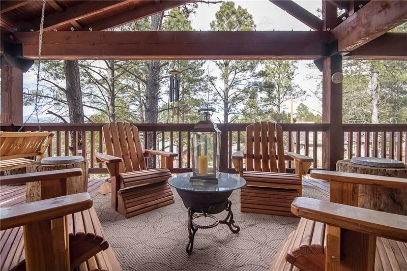 Bear Paw, 3 Bedrooms, Pets Welcome, Fireplace, WiFi, Sleeps 8, vacation rental in Ruidoso Downs