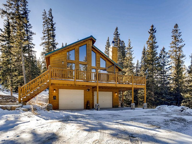 Luxurious/Private Cabin with Hot Tub and Pool Table Near Breck, alquiler de vacaciones en Alma