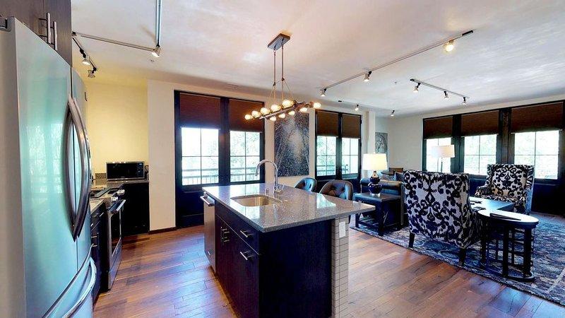 The Lincoln 302, 1 Bed / 1 Bath, Luxury Condo  Just 1 Block to The PLAZA! Luxuri, alquiler de vacaciones en Sierra County