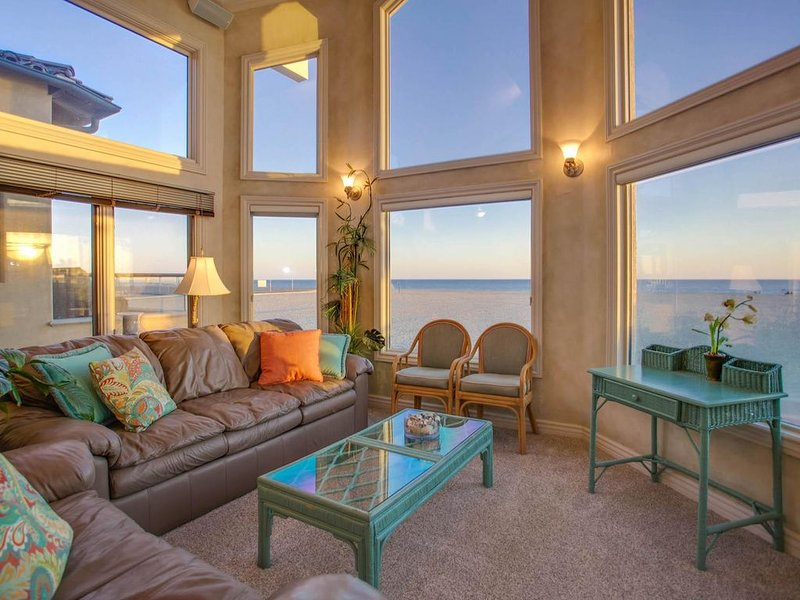 Picture Perfect Oceanfront Vacation Home, holiday rental in Newport Beach