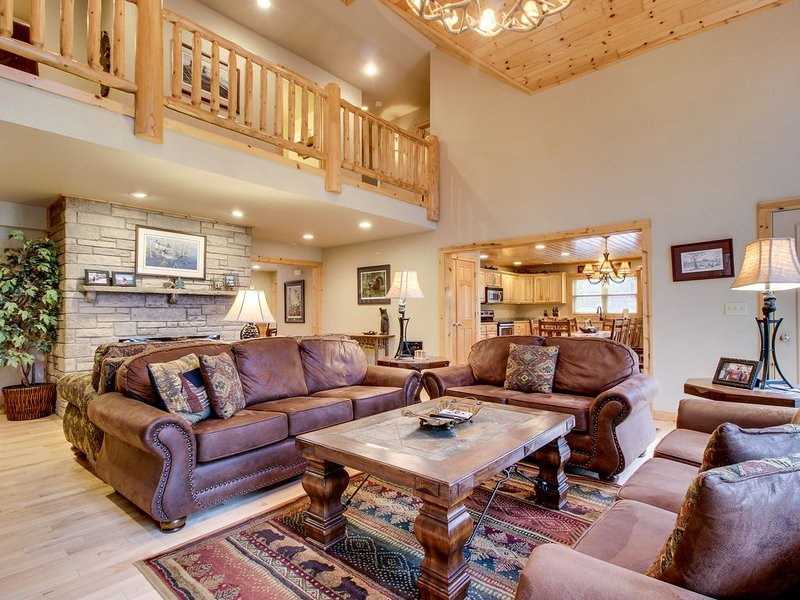 Lakefront home w/private dock, firepit, playground & lake views, vacation rental in Eagle River