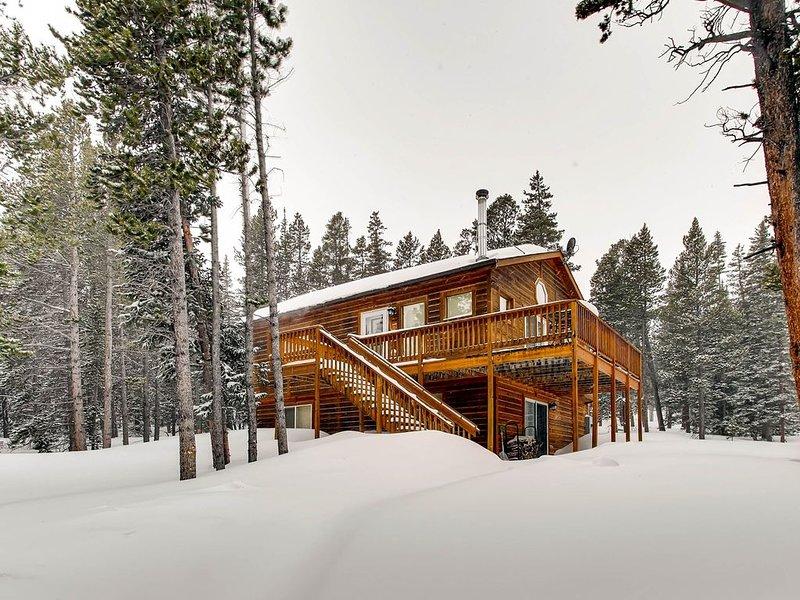 3 Bedroom/2 Bath Cabin /New Sauna/Game Room / Secluded  & Views near Fairplay an, casa vacanza a Fairplay