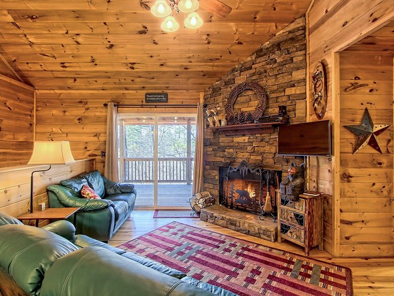 Dog-friendly Coosawattee River Resort cabin w/ shared pool & tennis, vacation rental in Ranger