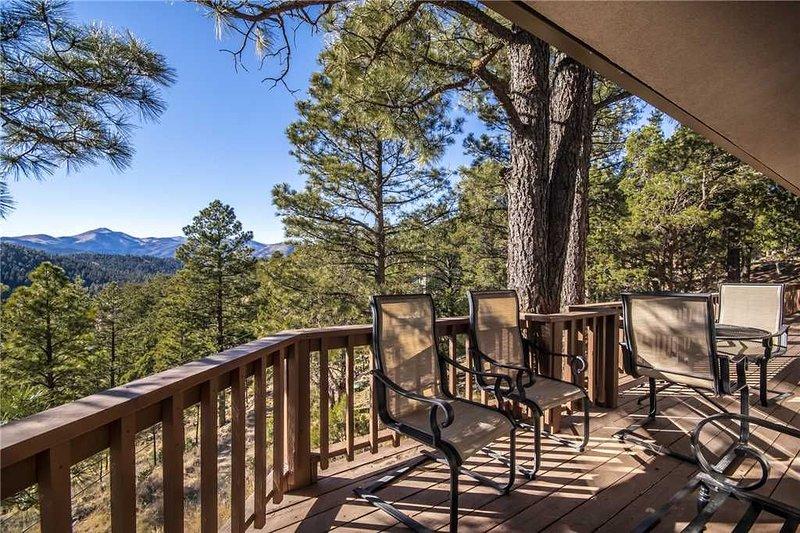 Alto Lakes, 5 Bedrooms, Fireplace, Hot Tub, WiFi, Sleeps 10, alquiler de vacaciones en Alto