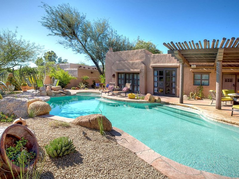 Southwest charm w/saltwater pool & pool spa at Boulders Resort, Ferienwohnung in Carefree