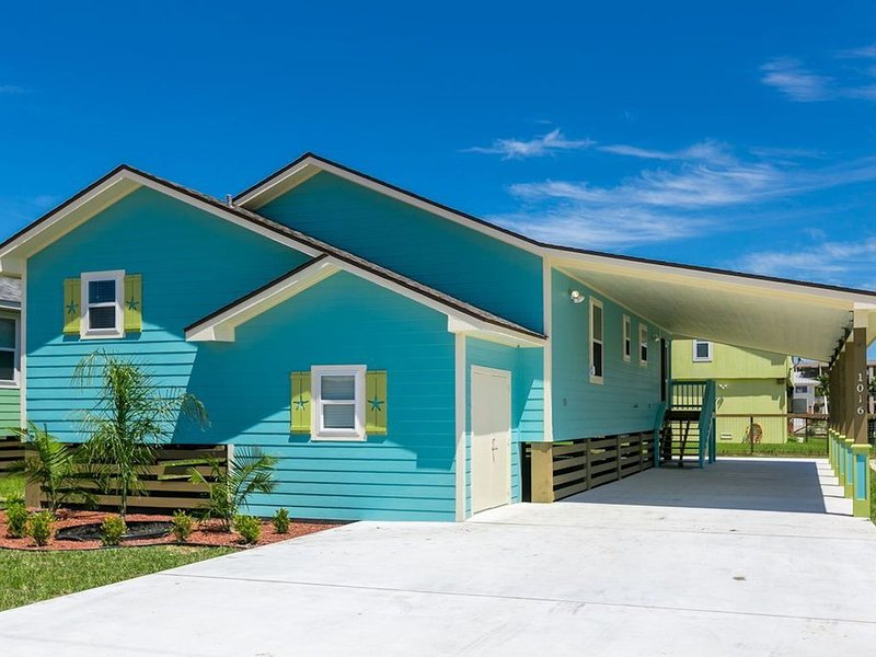 Beautiful home w/ screened in porch - close to beach/town!, holiday rental in Rockport