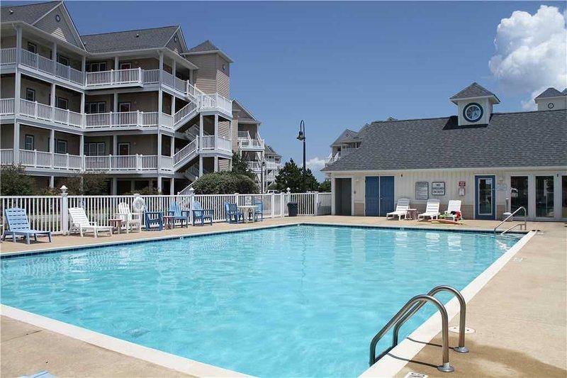 Hatteras Homerun SemiSoundfront Condo, Comm Pool,Boat slip, holiday rental in Hatteras