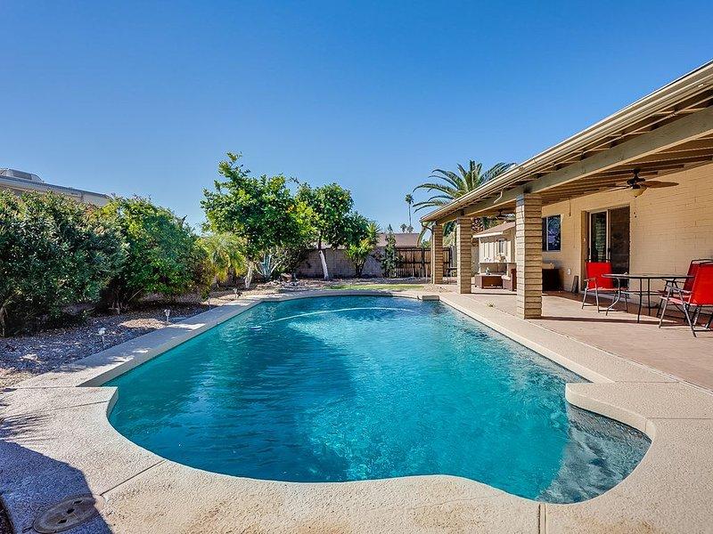 Orange Blossom Breeze-Pool! Summer Deals Book Now!!, vacation rental in Glendale