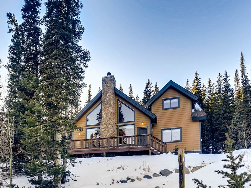 Pet Friendly/Views/Close to Breckenridge/Large Deck- Willow Creek, holiday rental in Alma