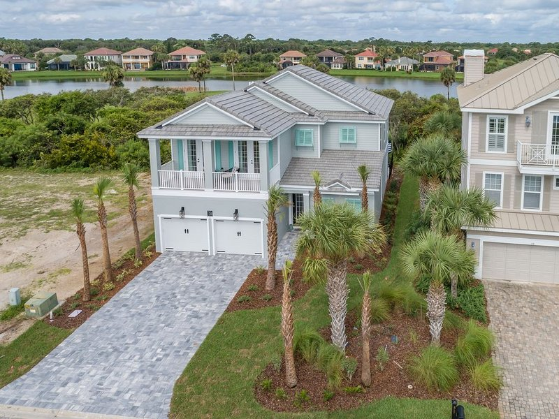 Brand New Pool Home in Cinnamon Beach - Bill's Bunker !!, location de vacances à Palm Coast