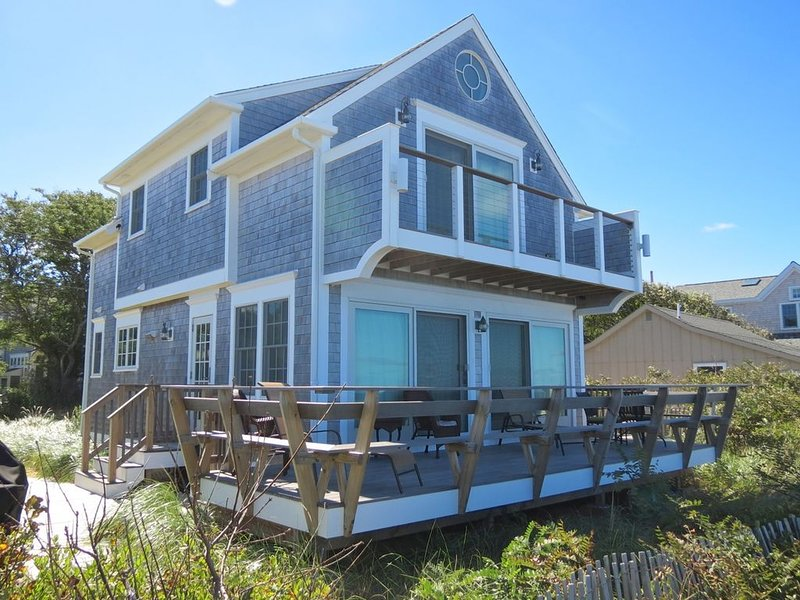 Custom Beach House Directly on the Water: 016-B, vacation rental in Brewster