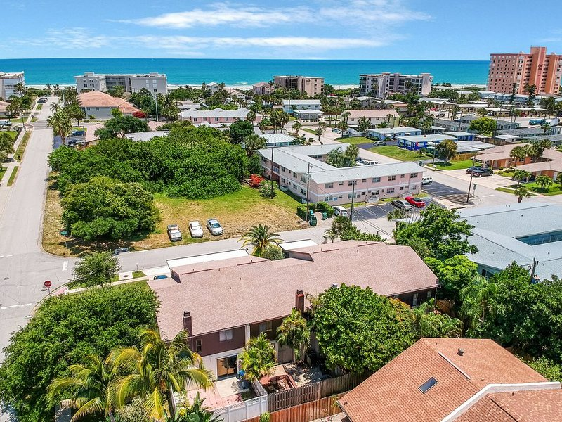 Newly furnished home w/ a private patio - just a couple blocks from the ocean!, Ferienwohnung in Cape Canaveral