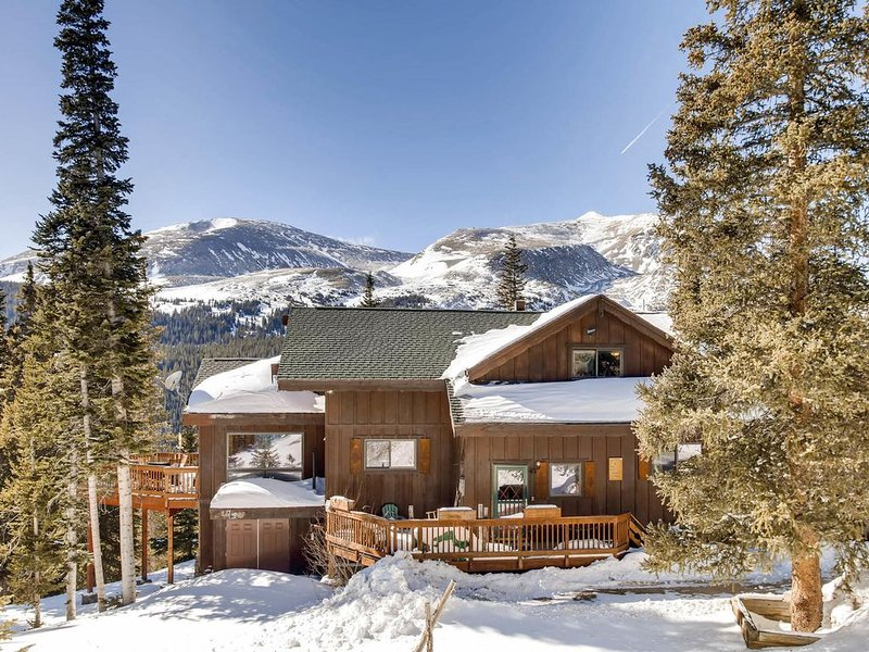 6 Bedroom/4 Baths/Hot Tub/ Breath-Taking Views/CLOSE TO BRECK, holiday rental in Alma