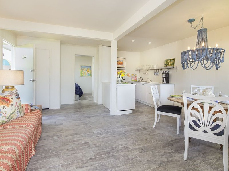New Pricing! Steps from Carpinteria Beach w/ private patio, pool/spa - beach acr, vacation rental in Carpinteria