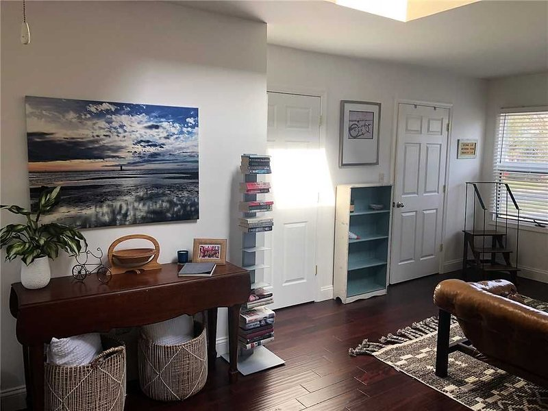 829 Savannah - Beach Retreat in Historic Lewes available for 3 Night Minimum Sta, holiday rental in Lewes