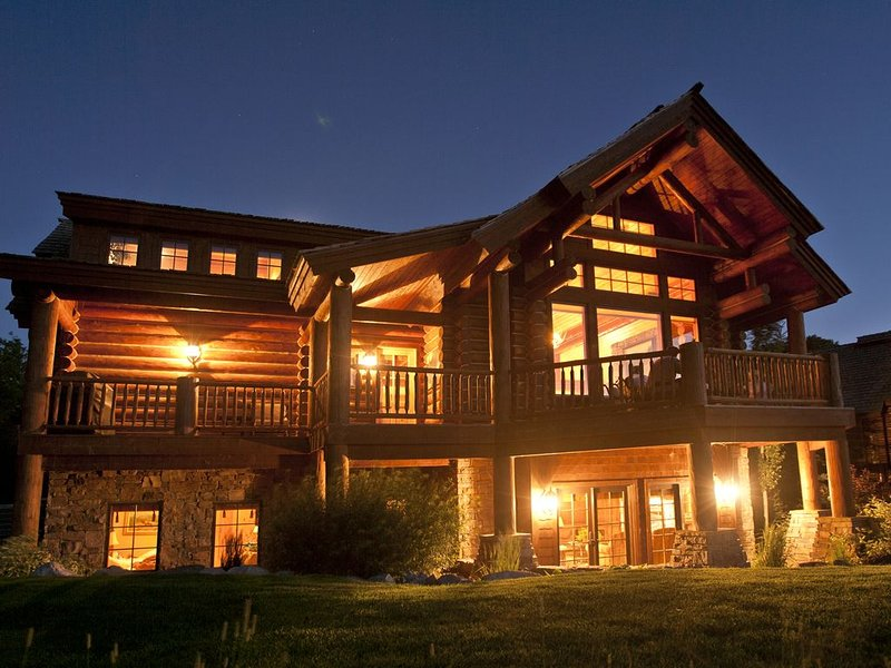 Luxury 5 Bedroom Cabin at Teton Springs - Close to Jackson.  Sleeps 12!, holiday rental in Swan Valley