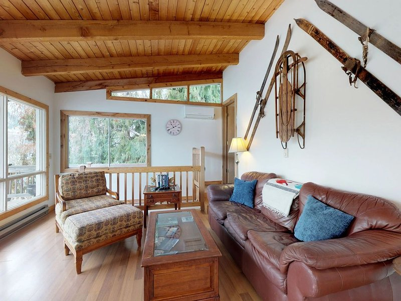 Premium Cleaned | Lakefront cabin w/wrap-around deck, hot tub & dock, holiday rental in Manson