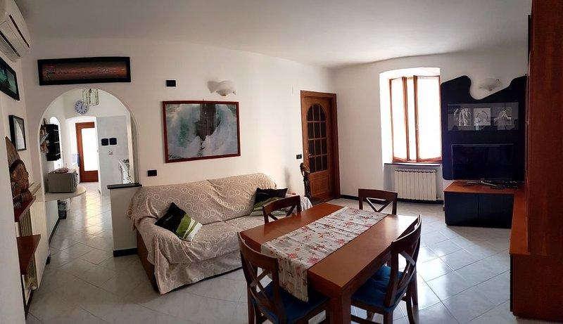Bellissimo Appartamento situato nel Cuore del Centro Storico di Monterosso, vacation rental in Monterosso al Mare