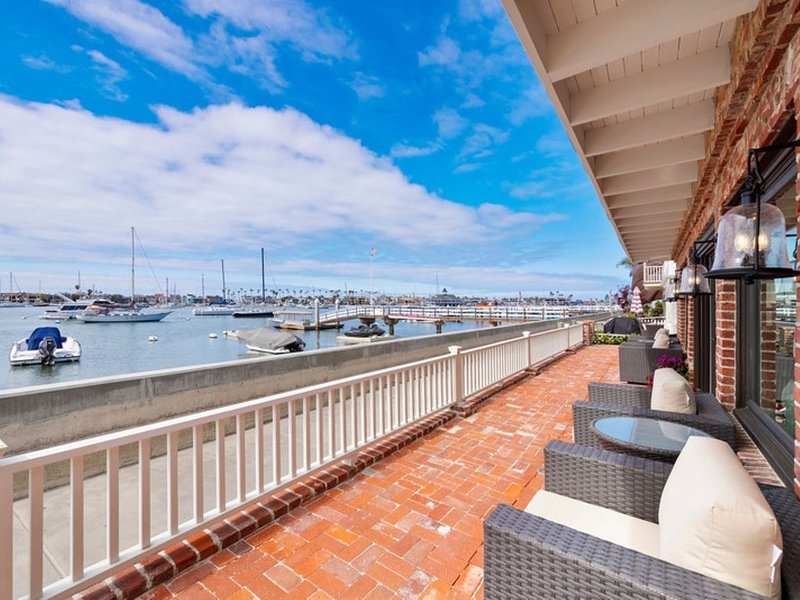 South Bay Front * Ruby Street / Front Row Newport Harbor Views, location de vacances à Balboa Island