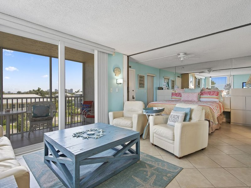 Ocean View Condo at The Beach and Tennis Club Resort, vacation rental in Bonita Springs
