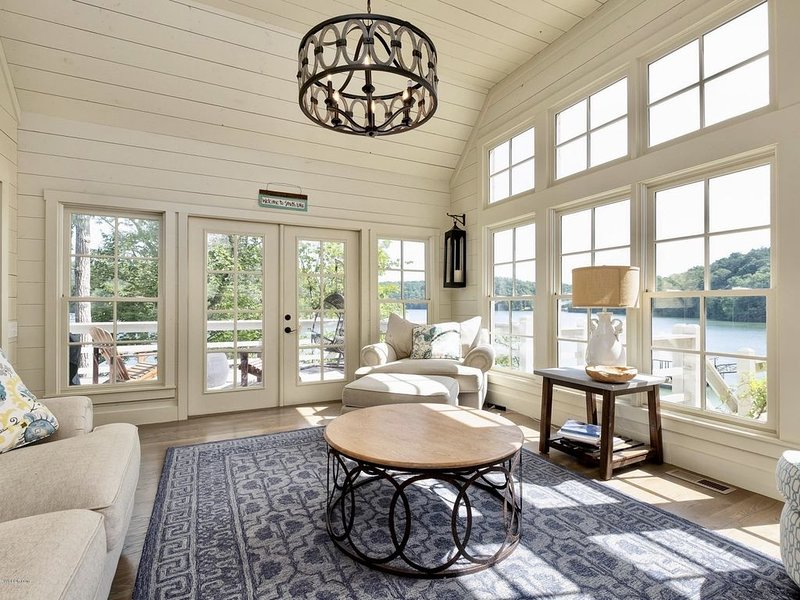 Secluded 5BR/4.5BA in Private Community on Smith Lake!, holiday rental in Crane Hill