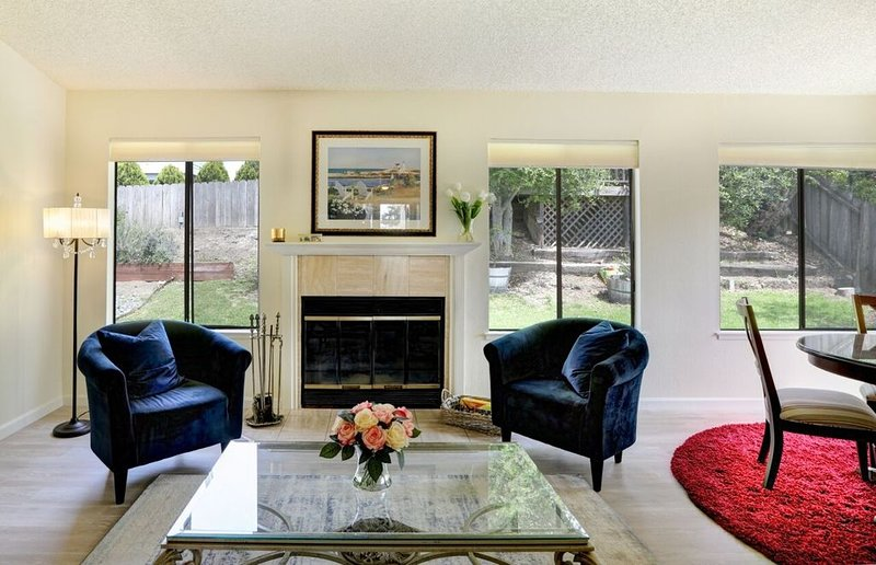 Peaceful home in quiet neighborhood, one mile from the beach. Small Pet OK, holiday rental in Pismo Beach