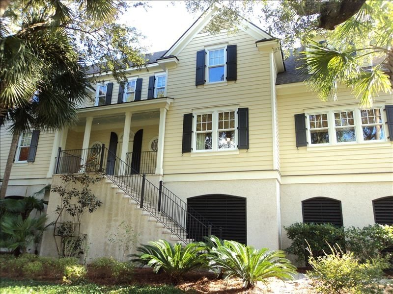 Handsome Island Home in Exclusive Wild Dunes Resort, holiday rental in Isle of Palms