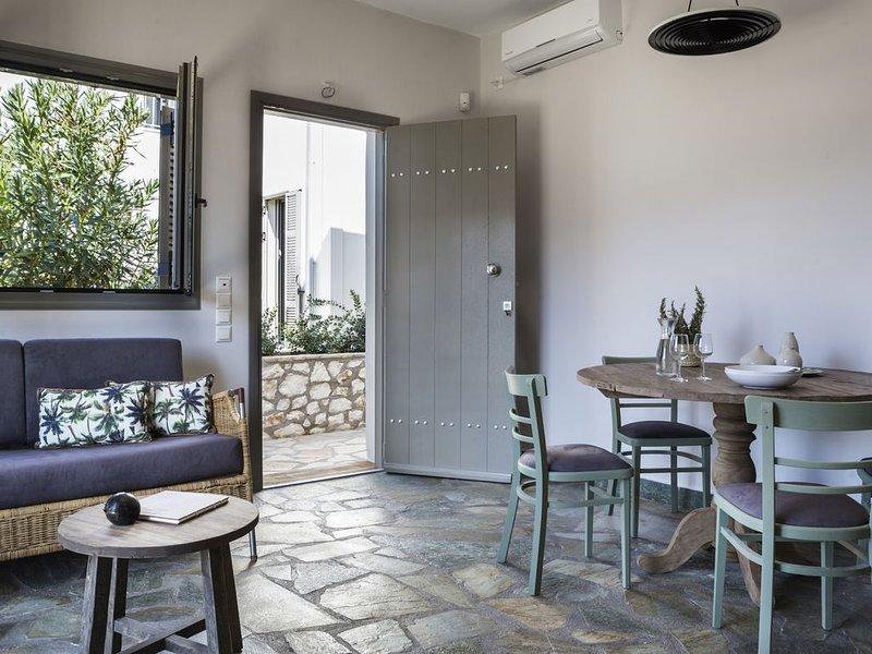 Romantic Villa at Myrtos Bay, vacation rental in Divarata