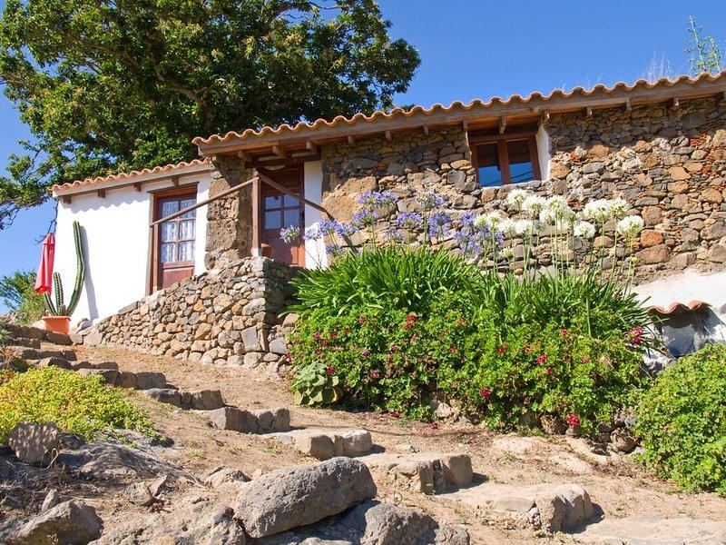 Gemütliches Cottage, mit Garten in Mitten der Natur, holiday rental in Playa Quemada