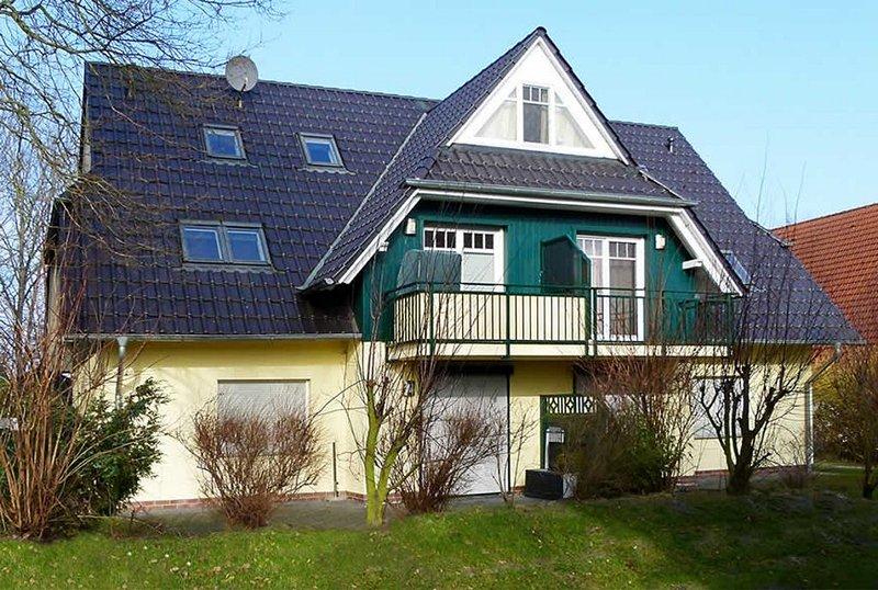 gemütliche Ferienwohnung nahe am Darßwald, Strandkorb auf Balkon, WLAN, 4 Pers., location de vacances à Ostseebad Prerow
