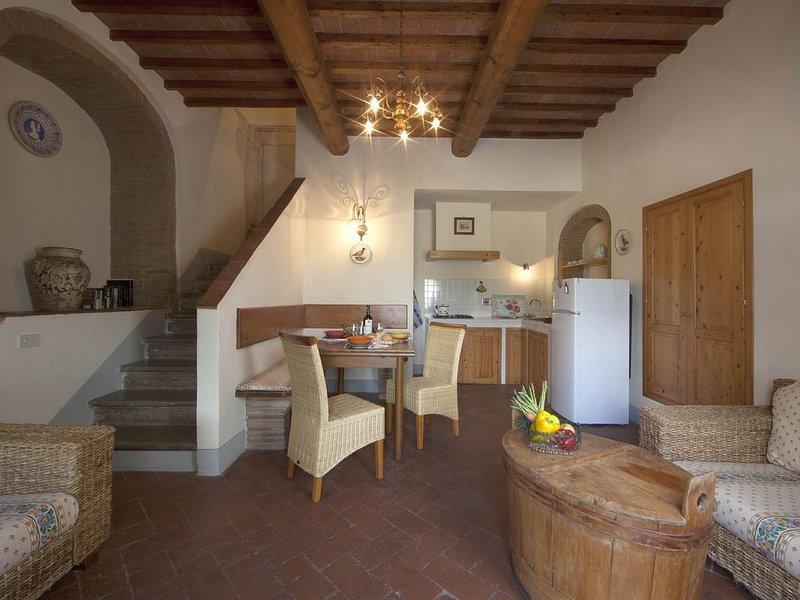 Weingut, Ferienanlage, Swimming Pool im Herzens der Toskana. Capella, casa vacanza a San Vincenzo a Torri