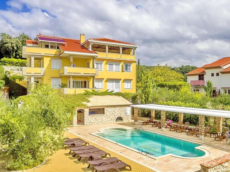 Swimmingpool-Villa mit gehobener Ausstattung, Meerblick - 400 m vom Sandstrand, location de vacances à Kampor