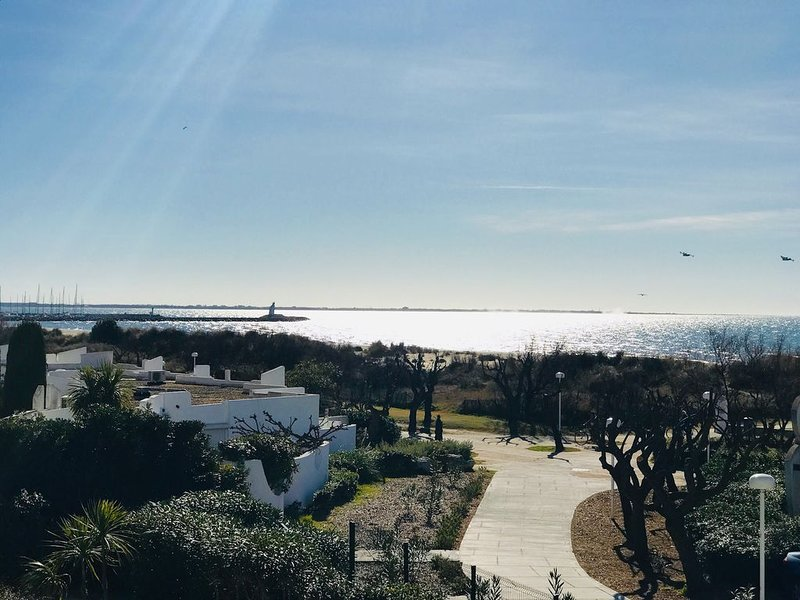 Superbe appartement 63 m² 1 ère ligne plage! vue mer ++, location de vacances à La Grande Motte