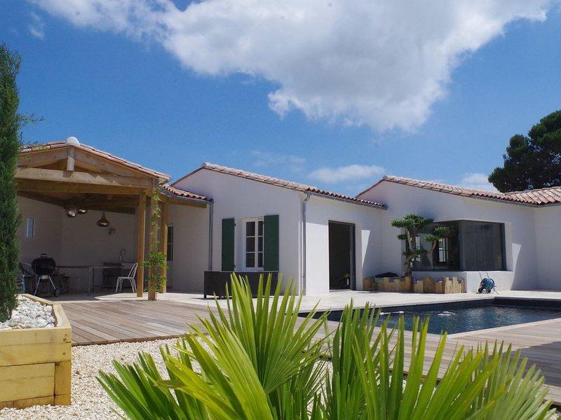Villa de standing proche de la mer, holiday rental in Sainte Marie de Re