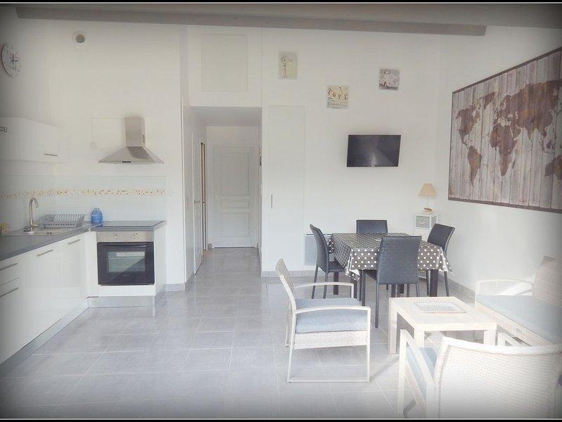 Location neuve 100 m bord de mer, holiday rental in Ile d'Oleron