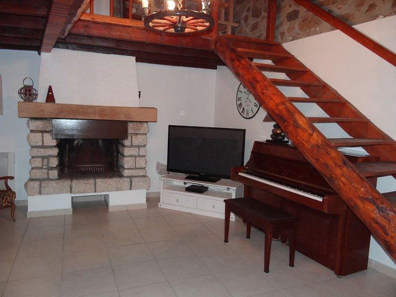 spatieuse maison confortable et toute équipée pour des vacances en famille, location de vacances à Eyne