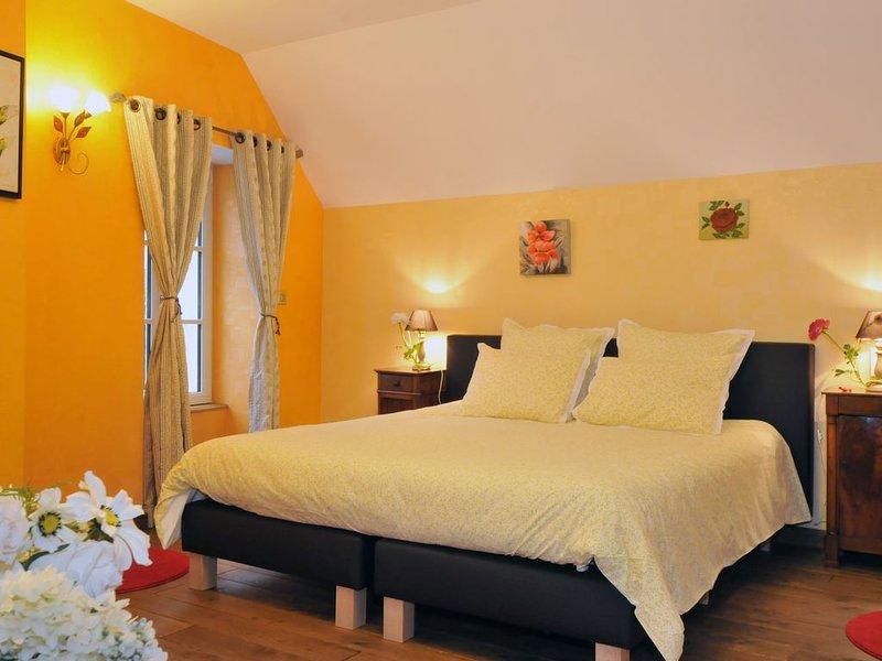 Gite de luxe 4 épis pour 5 personnes avec piscine chauffée, holiday rental in Marne