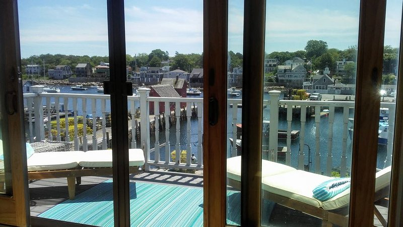 Enchanting Harbor Views - Historic Bradley Wharf Bearskin Neck, location de vacances à Rockport