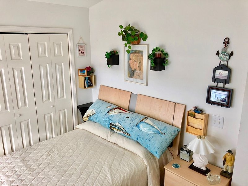 Cozy, family friendly cottage, 2 BR 1 Bath, 10m to Ocean City, pool & clubhouse, holiday rental in Ocean Pines