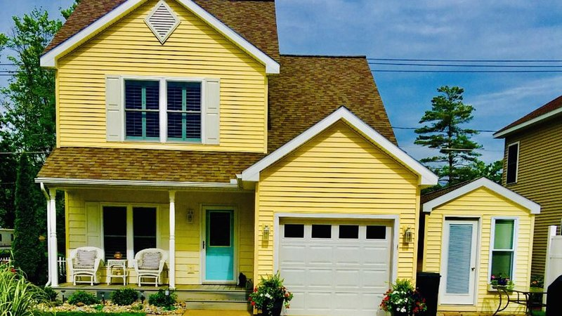 The Marvelouse Beach House!, vacation rental in Oneida